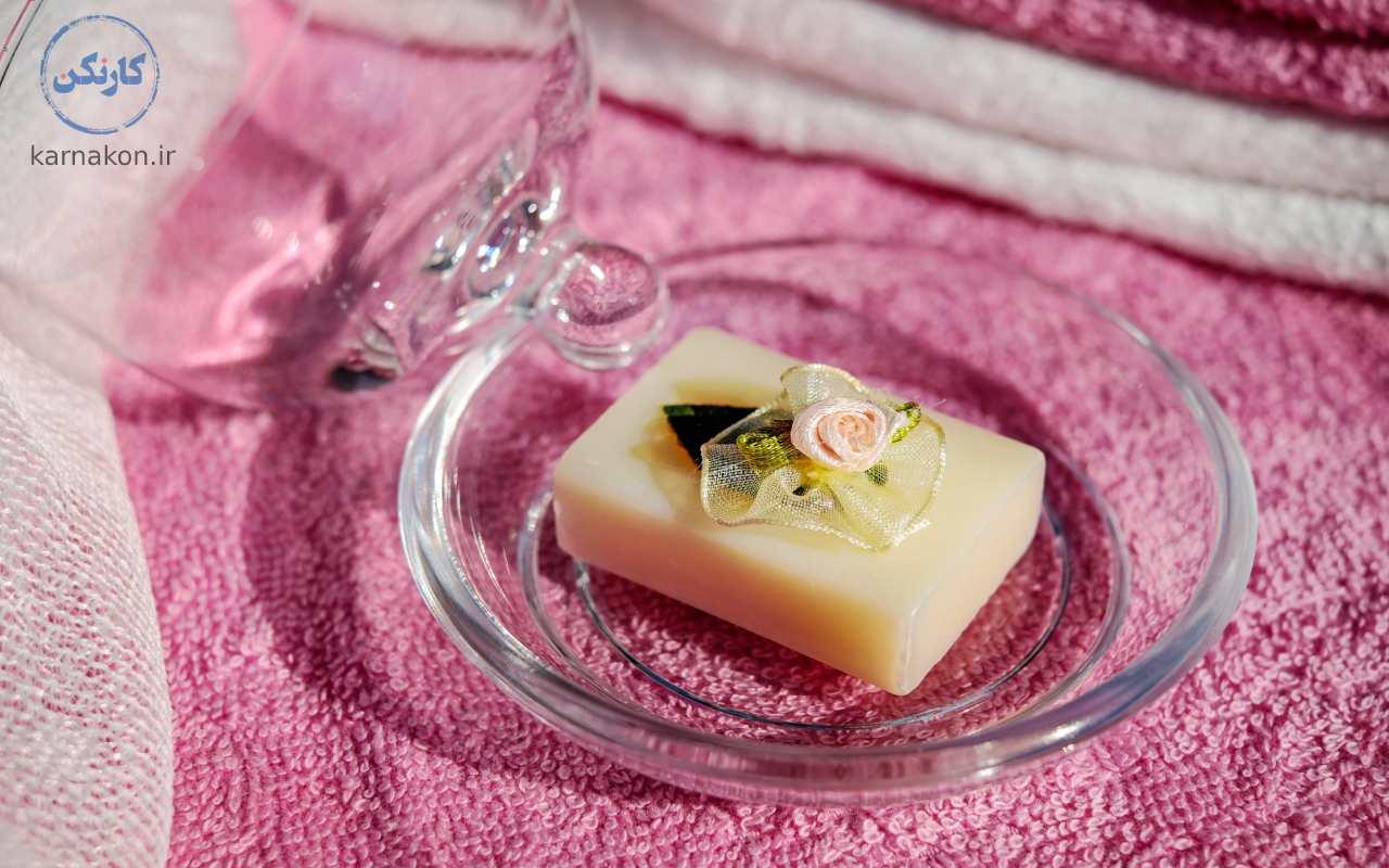 صابون سازی یکی از انواع مشاغل کار در خانه است.