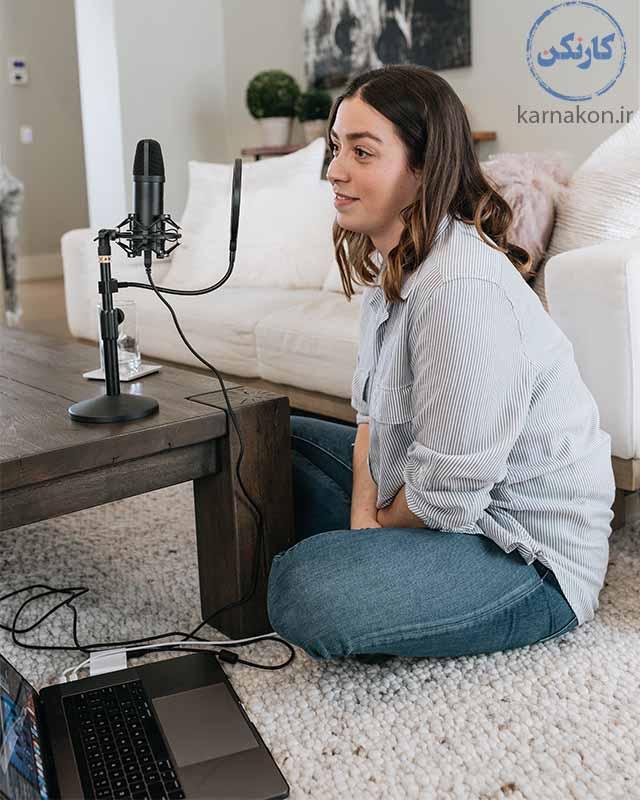 از دیگر شغل هایی که در اینده از بین می روند گویندگان رادیو هستند چون رادیو منقرض خواهد شد