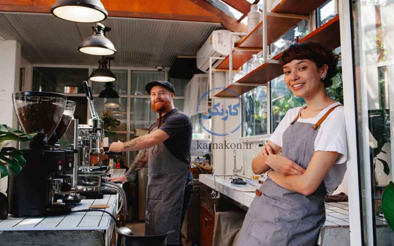 ایده برای قهوه فروشی - در انتخاب پرسنل و کارکنان خود دقتنظر داشته باشید و پرسنلی متخصص و خوشبرخورد را برگزینید.